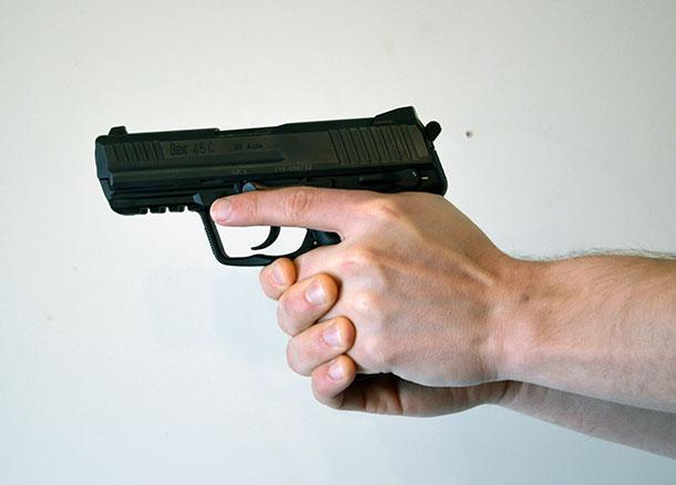 handgun-grip-support-hand-over-strong-hand
