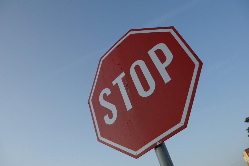 991-ratio-stop-znak-znaci.jpg