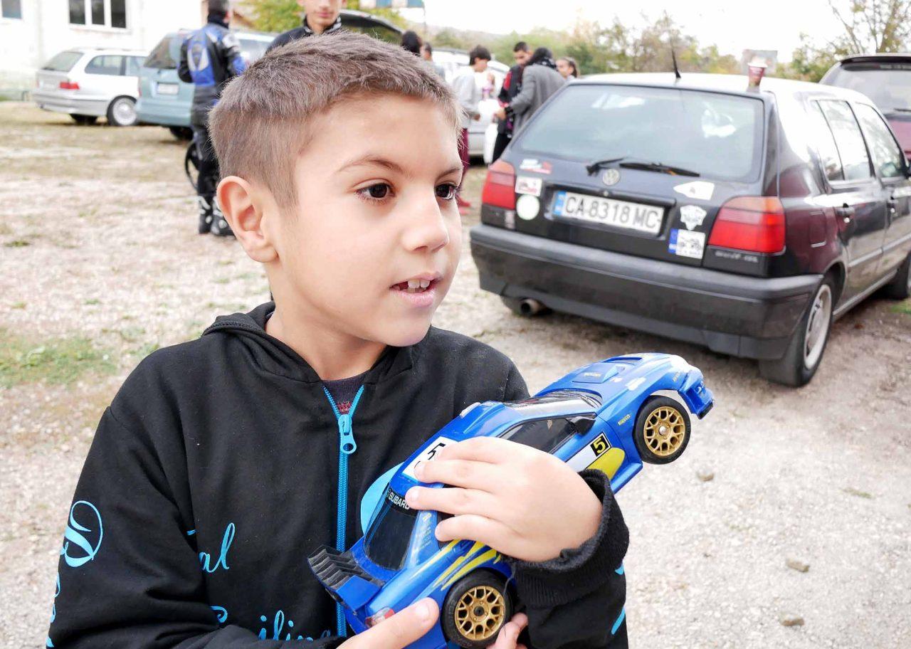 Софийски мотористи Да дарим усмивка Роман (12)