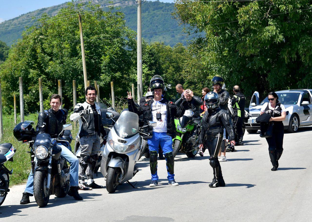 Софийски мотористи Да дарим усмивка Роман (22)