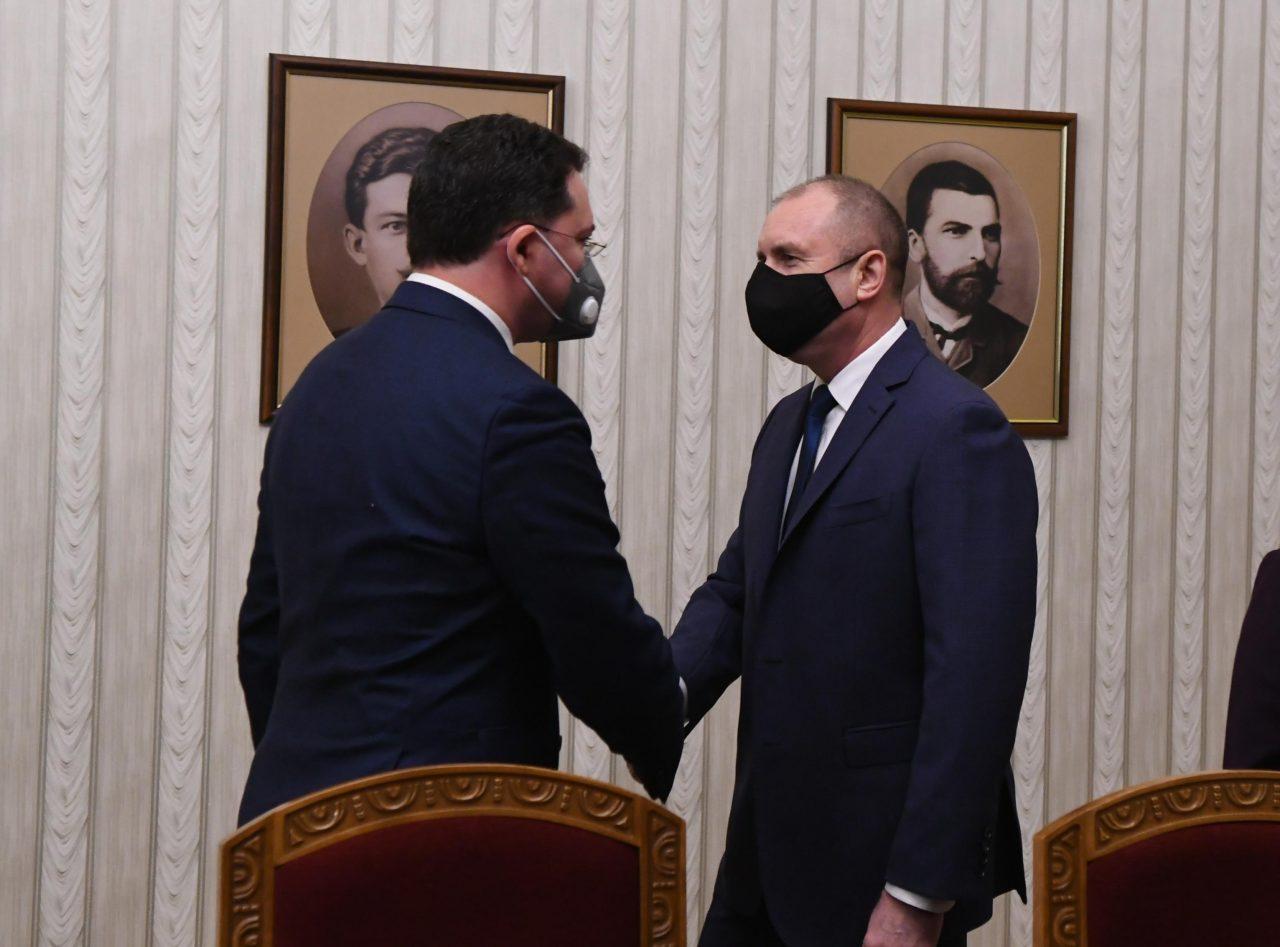 Даниел Митов, Румен Радев