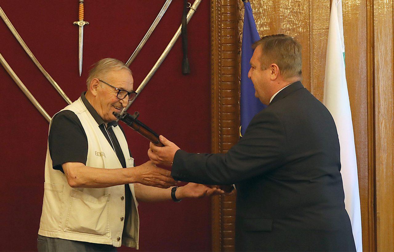 -Пенев-Министър-Красимир-Каракачанов-1280x820.jpg