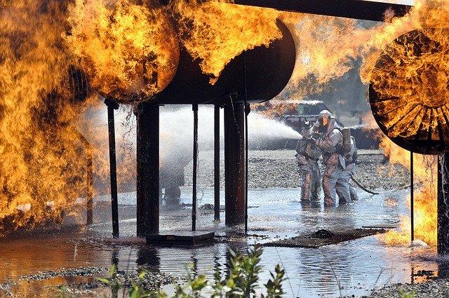 firefighters-1100811_640.jpg